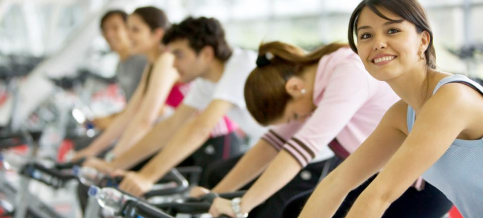 photodune-432102-spinning-class-at-the-gym-s